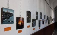 Ya se puede votar por la mejor foto del verano en la exposición abierta en la Casa de la Cultura