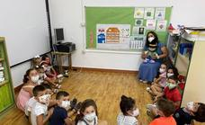 Este viernes han entrado en las aulas los alumnos de infantil y primaria de los tres centros educativos santeños