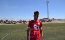 El jugador Abel Camacho comienza en el C.D Badajoz, el sueño de convertirse en una estrella del fútbol español