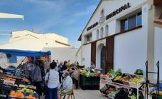 El mercadillo de los sábados trasladado a las inmediaciones del Mercado