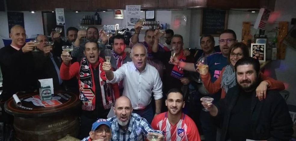 La peña del Atlético de Madrid de Malpartida de Cáceres celebró su aniversario el pasado fin de semana