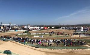 Más de 100 pilotos participaron en el Campeonato de España de Motocross de Malpartida de Cáceres