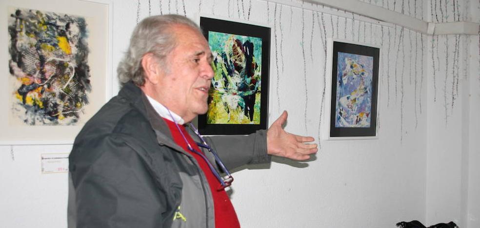 Francisco Domínguez expone una colección de monotipos en el Mesoncito los Arcos