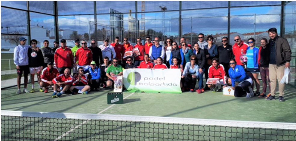 'Cachopos' y 'Padelante & Woman', ganadores del I Torneo por Equipos de Pádel Malpartida