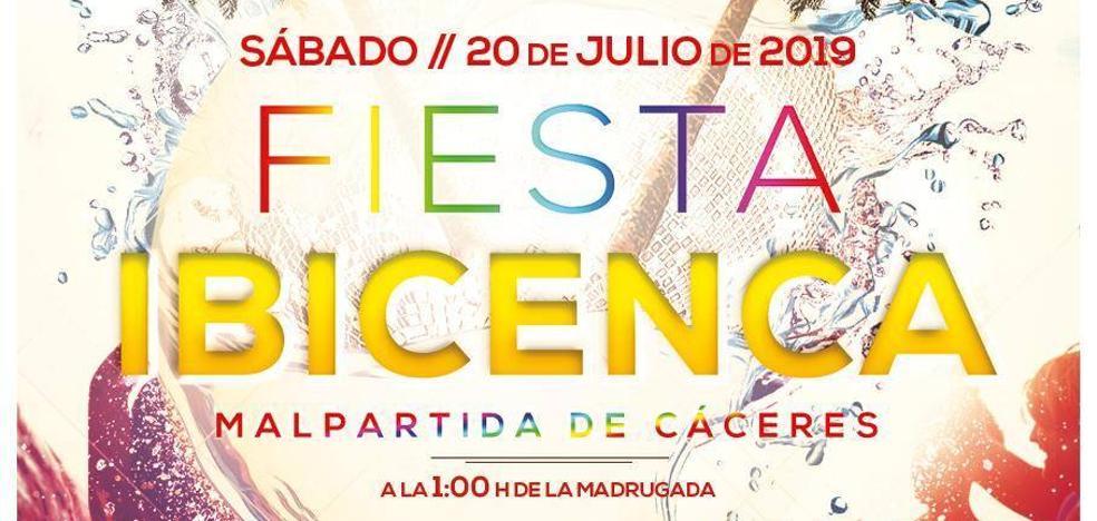La plaza de toros acoge un año más la celebración de la Fiesta Ibicenca