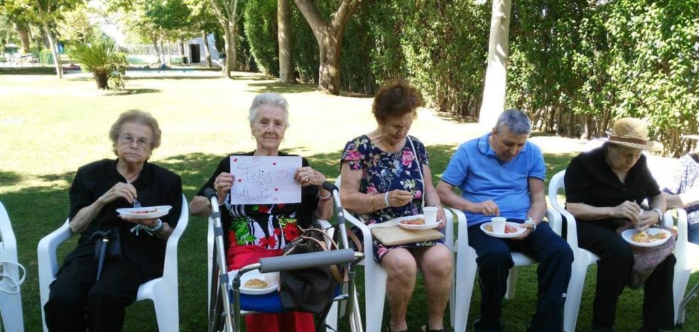 Niños y mayores disfrutaron con las múltiples actividades del Día de los Abuelos