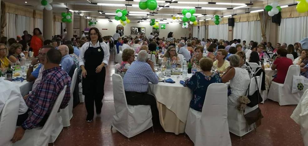314 personas asistieron a la cena solidaria de la AECC el pasado sábado
