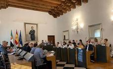 El Pleno de la Diputación de Cáceres regulariza la situación de Alfredo Aguilera como diputado no adscrito