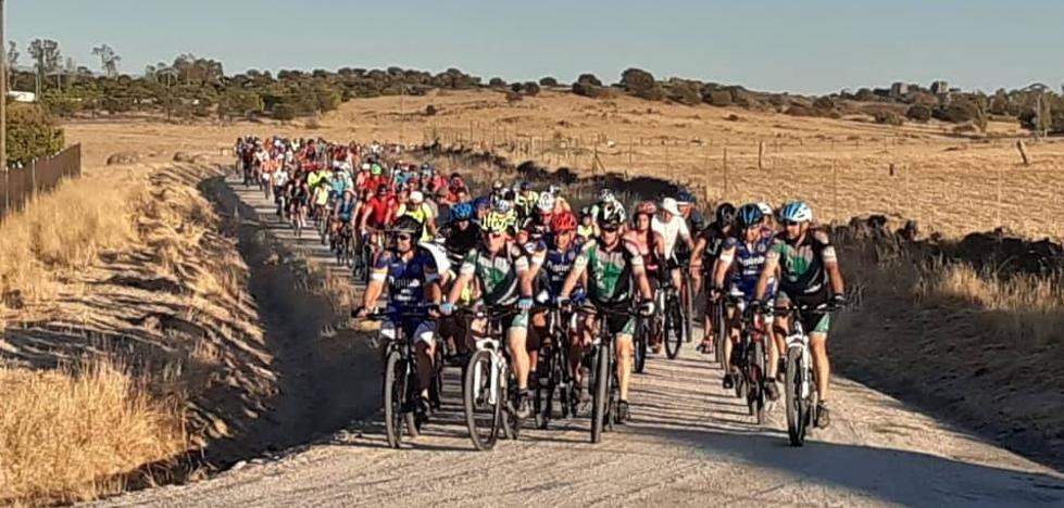 Unas 250 personas se dieron cita en Malpartida de Cáceres durante la Ruta Cicloturista