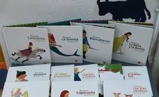 Un nuevo rincón de lectura en la biblioteca para los pequeños lectores de Malpartida de Cáceres
