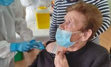 Comienza a inocularse la tercera dosis en Malpartida de Cáceres