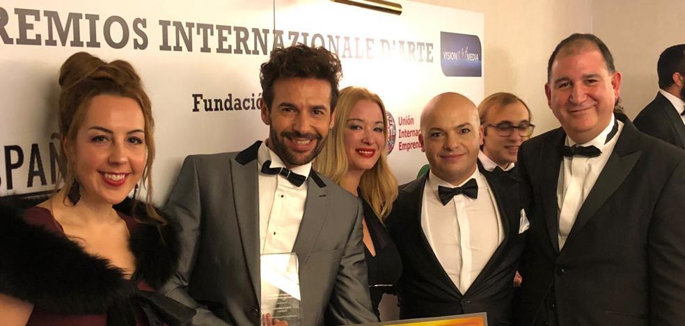El estilista miajadeño Pedro Cuadrado, distinguido con el Premio Internacional de la Fundación Costanza