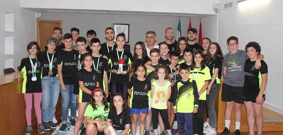 El Club Atletismo Miajadas, 'premiado' con 1.000 euros y la construcción de una pista de atletismo