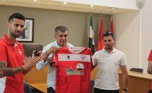 El CD Miajadas recibirá 10.100 euros por parte del Ayuntamiento para competir en Tercera División