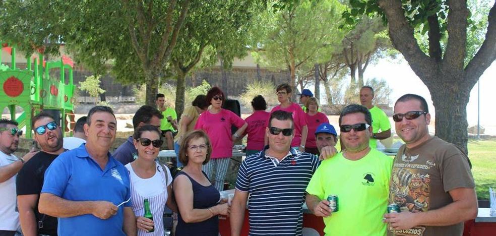 Los vecinos del parque Pozo Vela celebran sus tradicionales fiestas del barrio