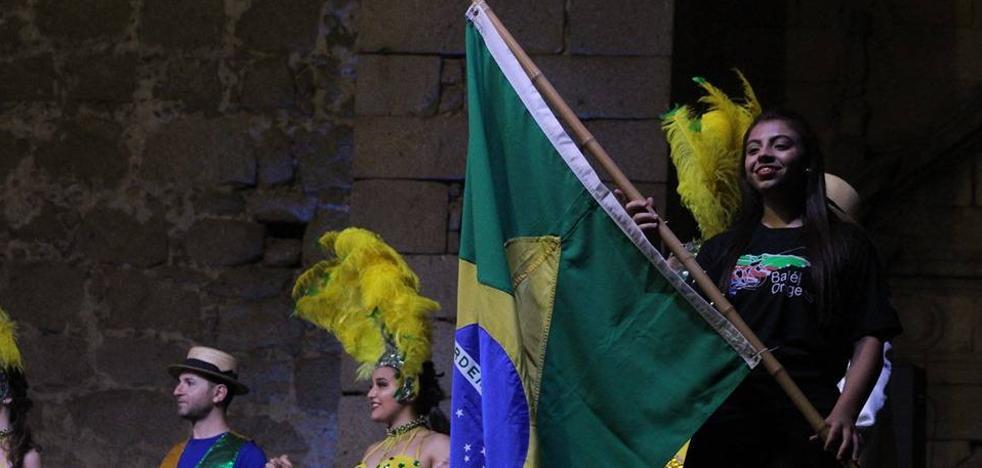 El folklore de Brasil y Rusia, presente en las fiestas con el Festival Pueblos del Mundo de Extremadura