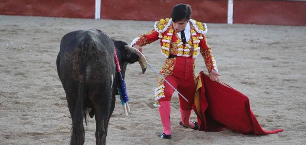 El miajadeño Iván Valares entusiasma al público local con una gran faena