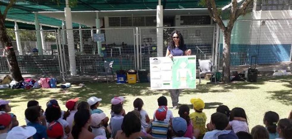 La AECC organiza actividades en Miajadas para concienciar sobre la importancia de la protección solar