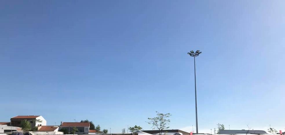El mercadillo ambulante estrena nueva ubicación en Miajadas