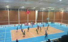 El derbi de voleibol entre el Extremadura Grupo Laura Otero y el Extremadura Cáceres PH dejó a todos con ganas de más