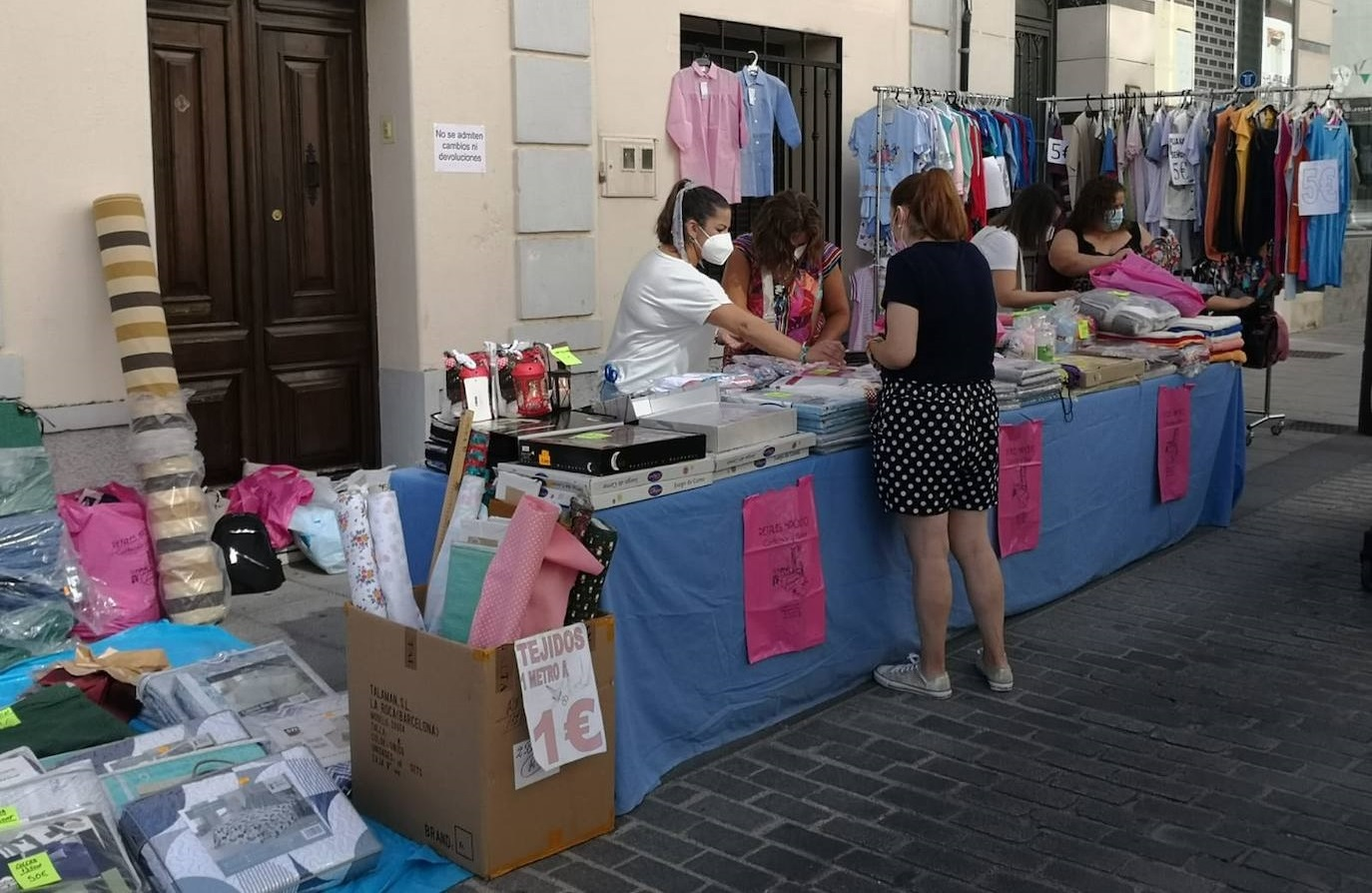 Vecinos y visitantes volvieron a disfrutar de la iniciativa 'El comercio sale a la calle'