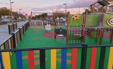 Los más peques disfrutarán de sombra en el parque de juegos frente al Cuartel