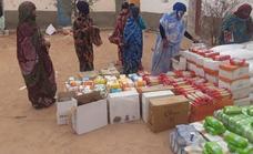 'Amigos del pueblo saharaui' muestra a los miajadeños cómo distribuyen los alimentos en los campamentos de refugiados
