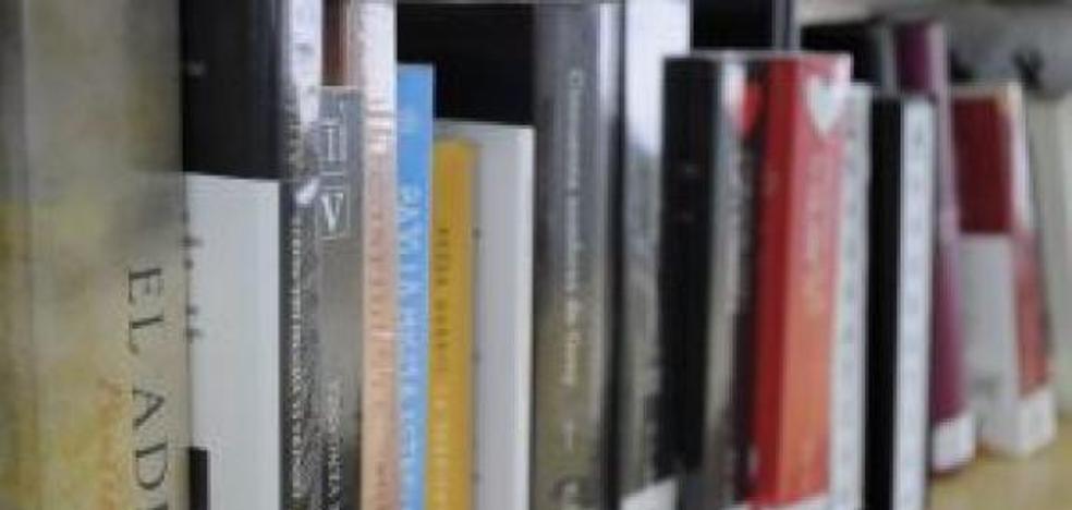 La Biblioteca Municipal podrá adquirir nuevos títulos gracias a la Junta y a la Diputación