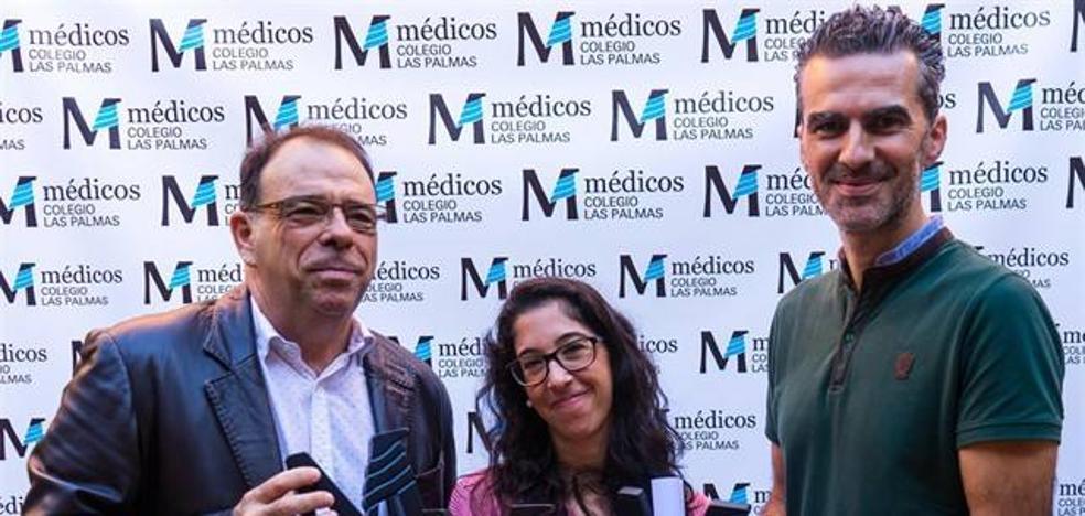 Los médicos de Las Palmas premian a la periodista monesteriense Lucía Espacio