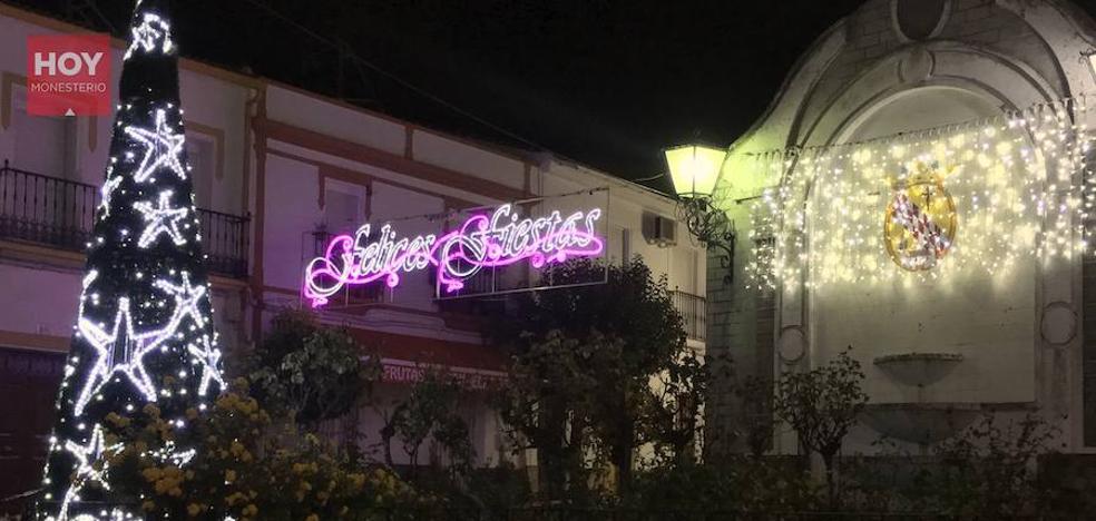 Las luces navideñas alumbran las calles desde el jueves