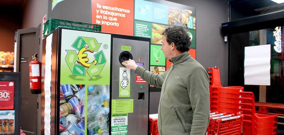 Descuentos en la compra por reciclar latas y envases de plástico