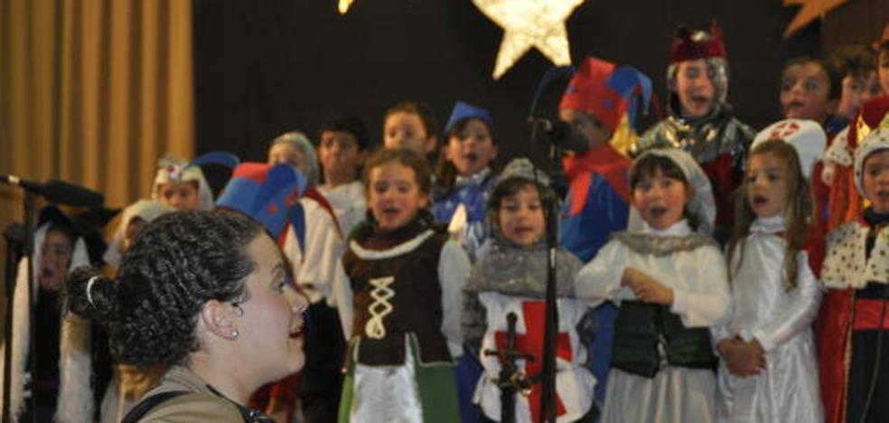 Esta tarde, Festival Infantil Navideño y exposiciones de playmobil y de recuerdos navideños