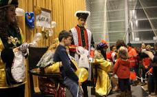 Los Reyes Magos recibirán esta tarde a los niños de Monesterio con 2.000 kilos de caramelos
