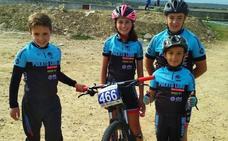 Minoritaria pero excelente participación de ciclistas lobeznos este fin de semana en Cáceres y Huelva