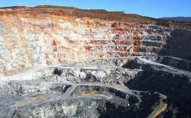 La empresa de Aguablanca tiene dos años de plazo para decidir si reabre la mina