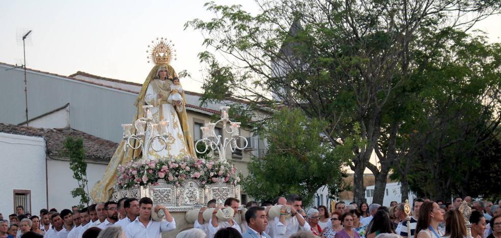 Monesterio arropa a su Patrona, la Virgen de Tentudía, en el Día de la Asunción
