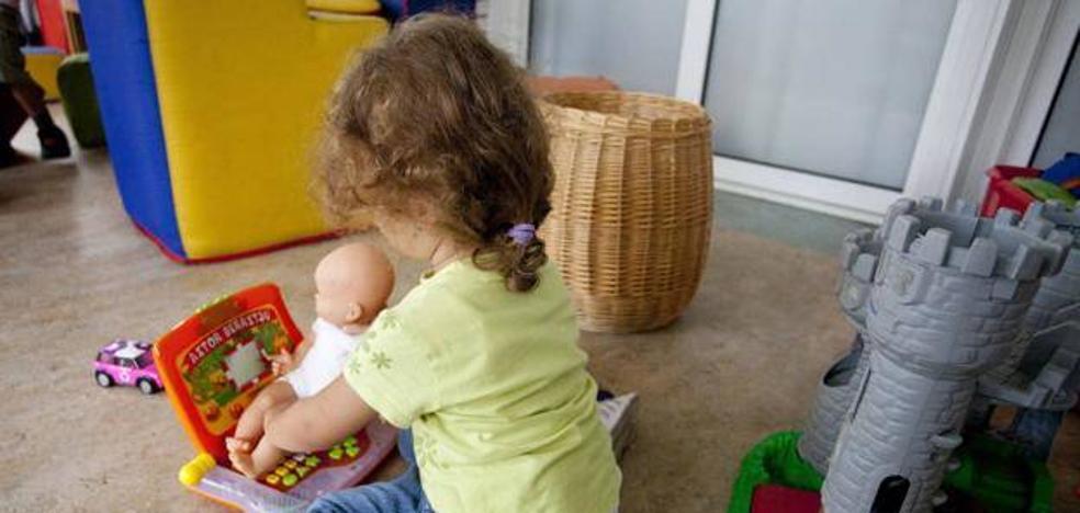 La Escuela Infantil Municipal impulsa un Mercadillo Solidario con productos para niños