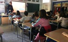 Agentes de la Policía Local, ponentes en un seminario internacional sobre salud en el adolescente