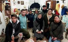 Crecen las visitas de grupos al mini museo de la Casa de Comillas