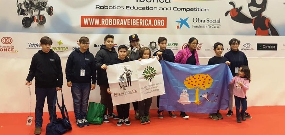 Un segundo puesto para los jóvenes robóticos de ArcaDroidEx en la RoboRave Ibérica