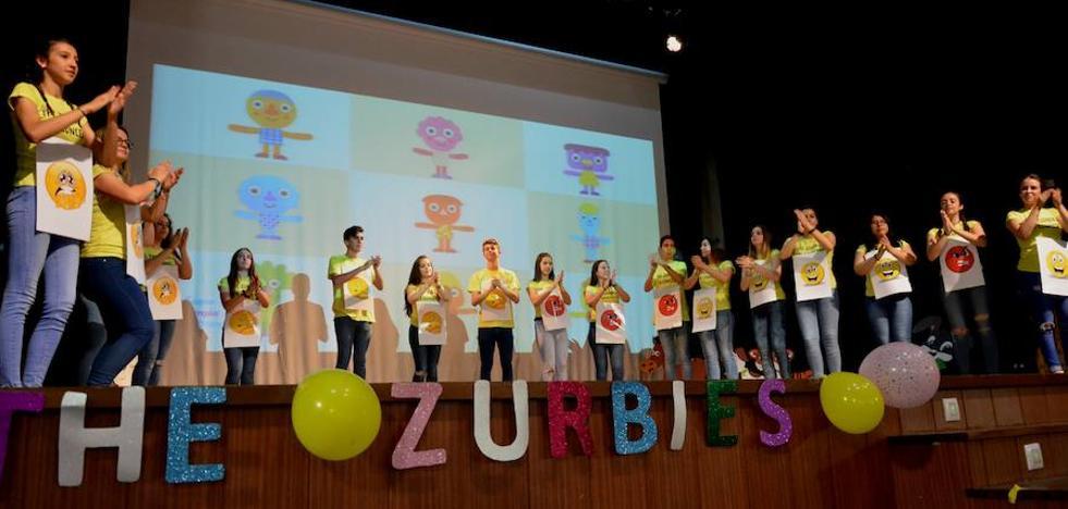 Estudiantes del instituto Zurbarán presentarán el jueves su nuevo musical, 'The Zurbies at Christmas'