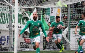 El Moralo desbanca al Cacereño con un solitario gol de Sergio Alonso