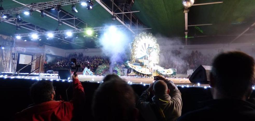 Ciudadanos alerta del peligro que supuso la «falta de seguridad» en la gala de reinas del Carnaval