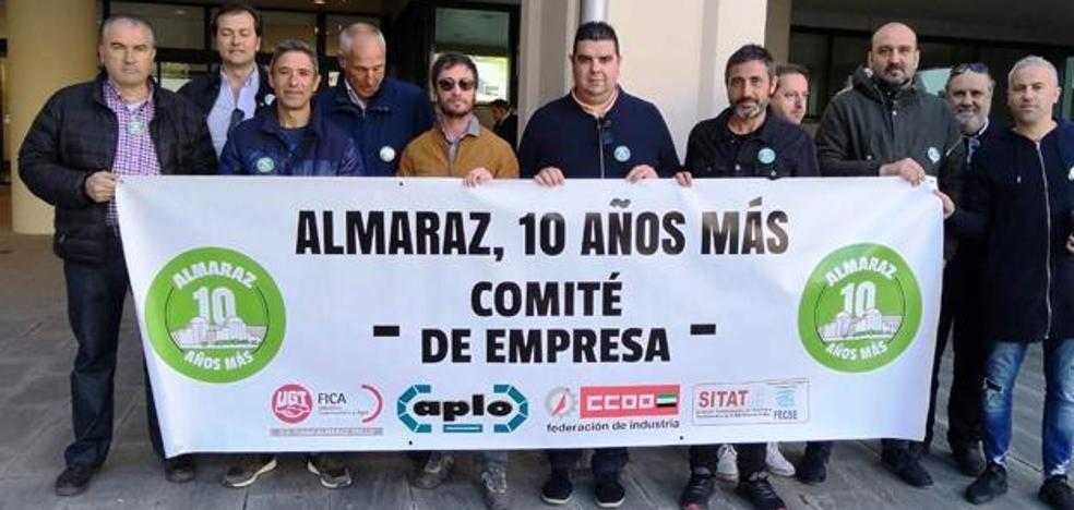 El comité de empresa de Almaraz se encierra en la planta