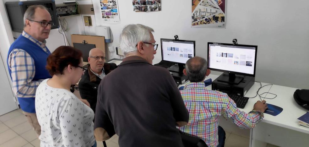 Usuarios del Nuevo Centro del Conocimiento crean la aplicación 'Descubre Navalmoral'
