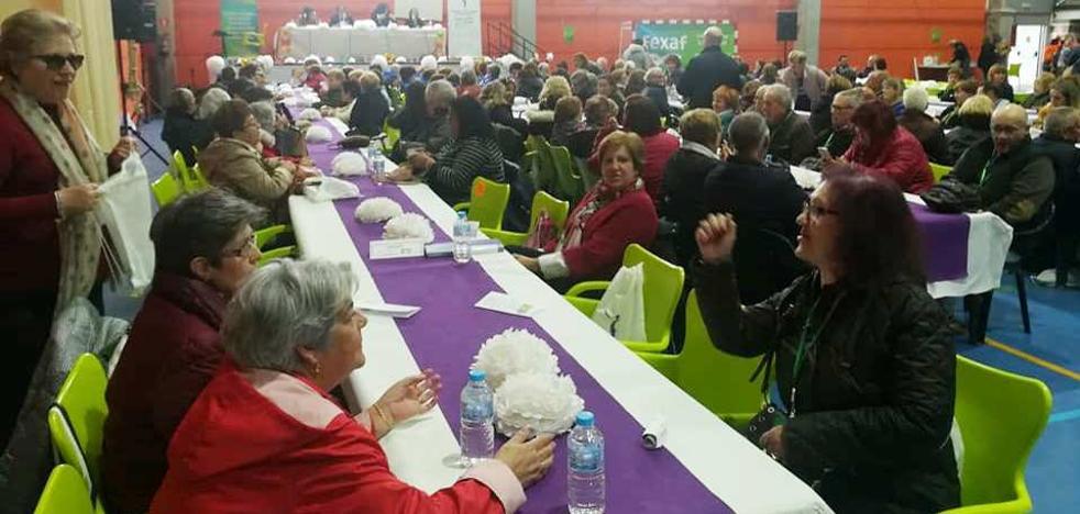 El encuentro de asociaciones de fibromialgia reúne a 200 personas en el pabellón Antonio Jara