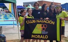 El Club Natación Moralo cierra el trofeo internacional de Badajoz con dos finalistas