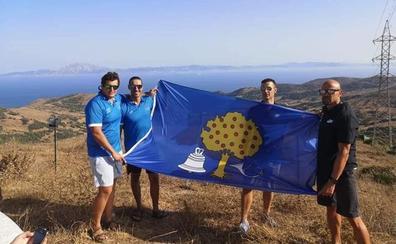El equipo extremeño nada ya desde Tarifa hasta Marruecos
