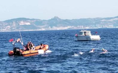 Los nadadores extremeños logran cruzar el Estrecho