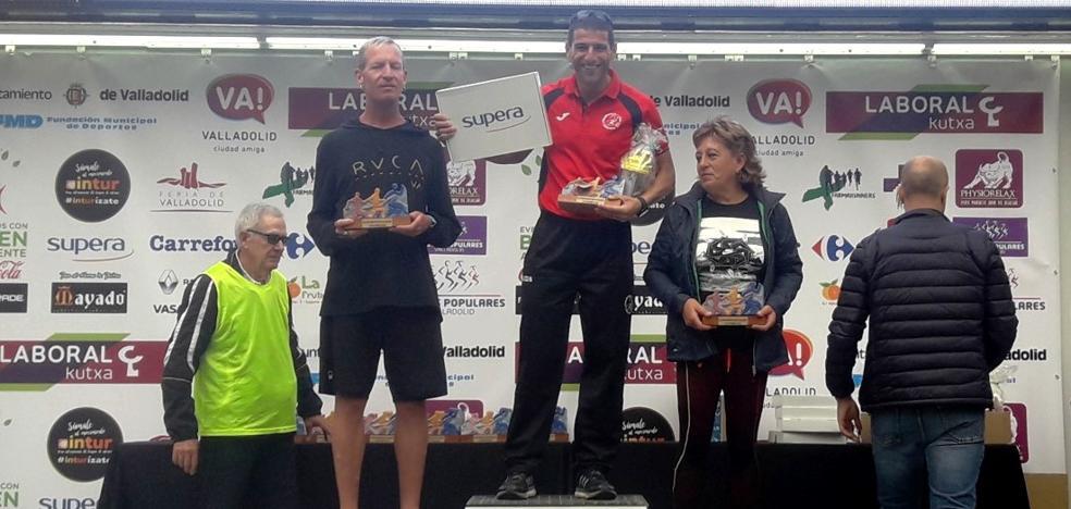 Jorge Campos, de Navalmaratón, primero de su categoría en la Media Maratón de Valladolid